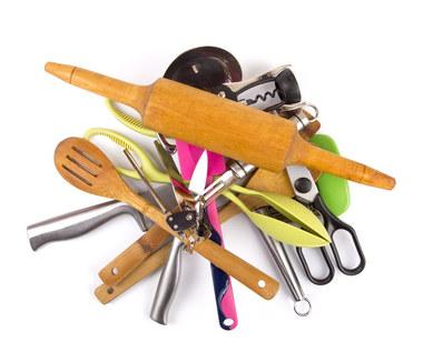 Drewniane czy silikonowe? Jakich narzędzi i akcesoriów używać w kuchni?