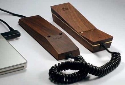Drewniany telefon VoIP /Komórkomania.pl