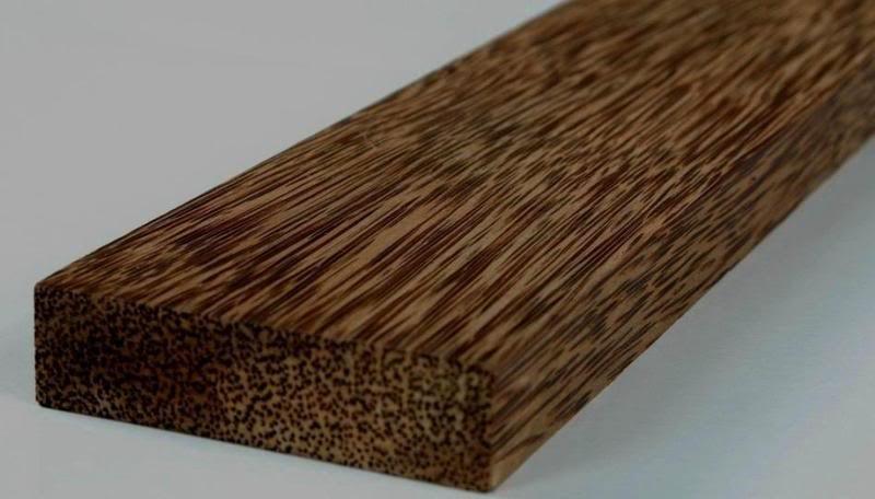 Drewno palmy kokosowej /© Photogenica