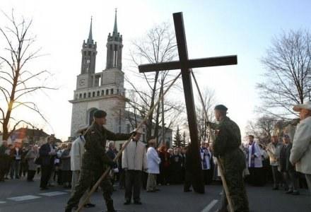 Droga Krzyżowa na warszawskim Żoliborzu, fot. W. Traczyk /Agencja SE/East News