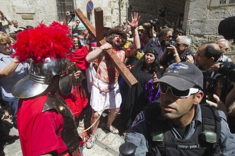 Droga Krzyżowa w Jerozolimie /AFP
