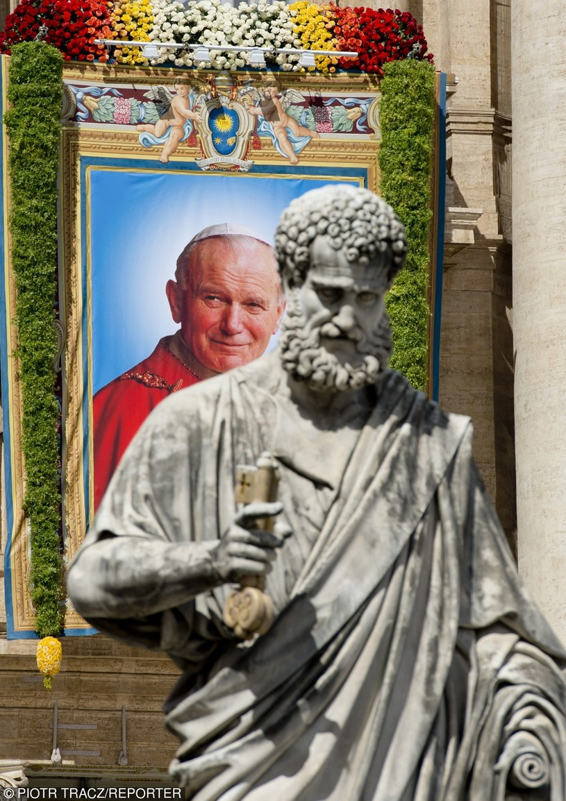 Drogę Jana Pawła II do świętości uznano za najszybszą w nowożytnej historii Kościoła /PIOTR TRACZ/REPORTER /East News