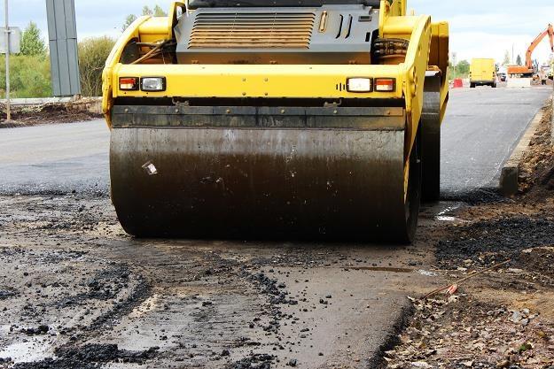Drogi betonowe są tańsze w budowie i znacznie bardziej wytrzymałe niż asfaltowe (zdj. ilustracyjne) /©123RF/PICSEL