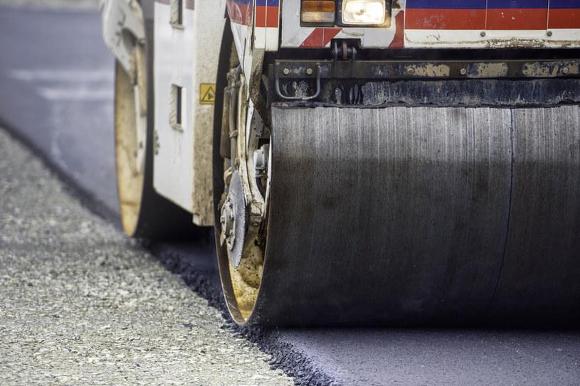 Drogowcy przygotowują teraz budowę prawie 3 tys. km dróg, w tym ponad 2 tys. km tras szybkiego ruchu /123RF/PICSEL