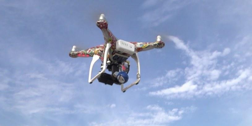 Dron leciał 100 metrów od samolotu (zdjęcie ilustracyjne) /AFP /AFP