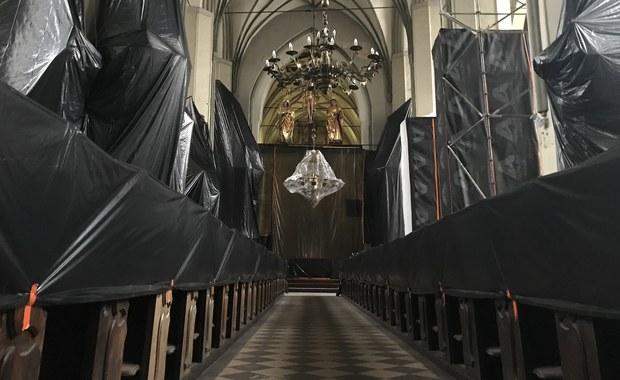 Dron w bazylice w Gdańsku. Ostatnie przygotowania do ratowania zabytku