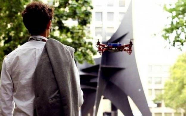 Dron w roli przewodnika /materiały prasowe