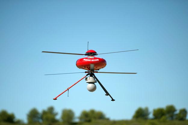 Drony są za małe, aby stwarzać zagrożenie (zdjęcie ilustracyjne) fot. Bertrand Langlois /AFP