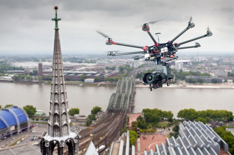 Drony stały się integralnym elementem większości produkcji filmowych /123RF/PICSEL