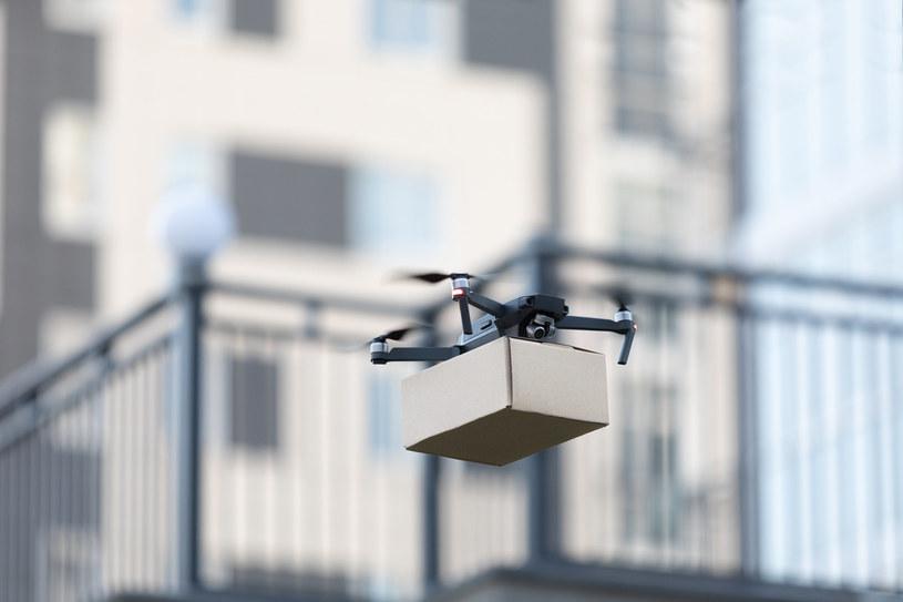 Drony zastąpią ludzi w transporcie i magazynowaniu /123RF/PICSEL