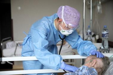 Druga fala pandemii może być ogromna. Nawet 100 tys. pacjentów dziennie w przychodniach