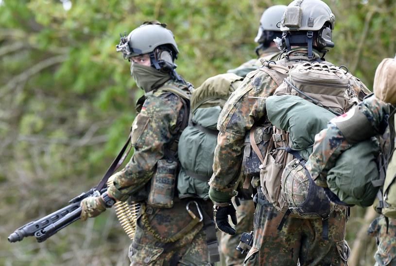 Druga kompania elitarnej jednostki komandosów KSK uchodziła za wylęgarnię skrajnie prawicowych postaw w Bundeswehrze /CARSTEN REHDER / DPA   /AFP