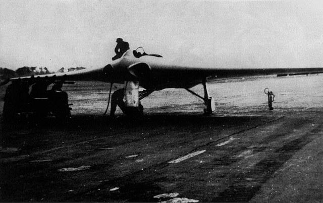 Drugi prototyp Ho-229 V2 tankowany przed lotem testowym /Wikimedia Commons /INTERIA.PL/materiały prasowe