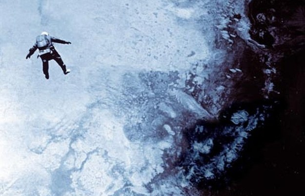 Drugi skok Kittingera. Fot. stratocat.com /Internet