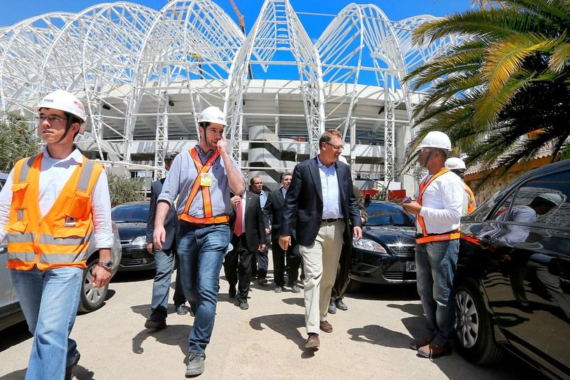Drugi z prawej - Jerome Valcke - podczas wizytacji w Brazylii /AFP