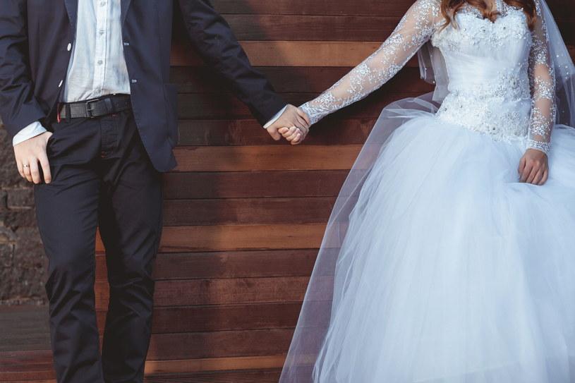 Drugie małżeństwa są szczęśliwsze? Dlaczego tak się dzieje? /123RF/PICSEL