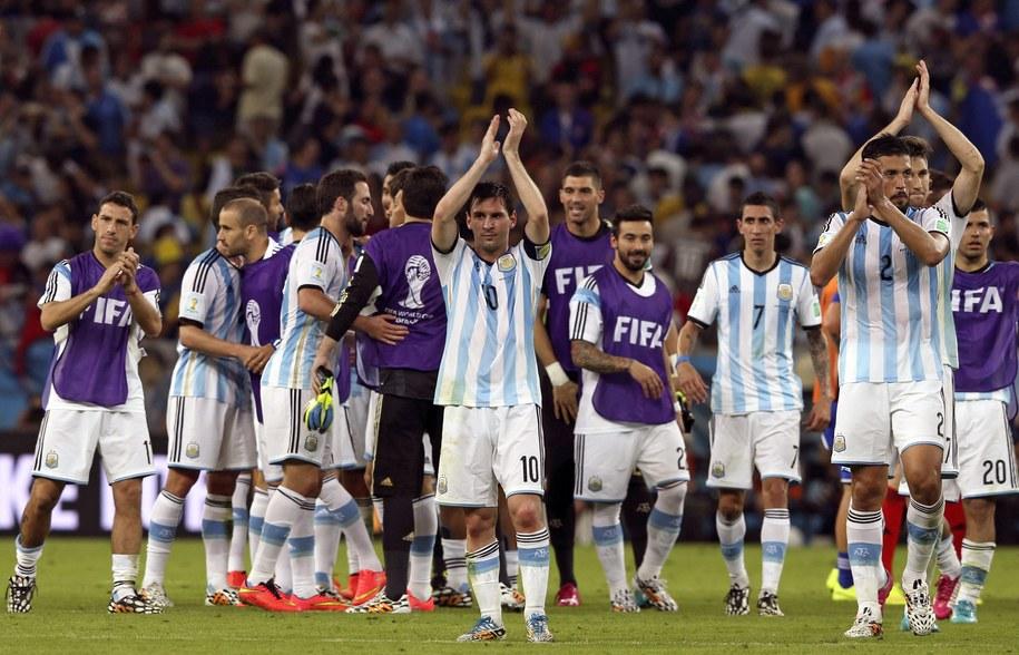 Drużyna Argentyny po wygranym meczu z Bośnią i Hercegowiną /MARCELO SAYAO /PAP/EPA