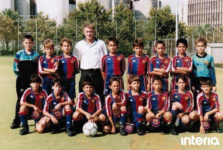 Drużyna Barcelony do lat 10 z 1993 roku. Drugi z lewej w górnym rzędzie Andreu. Źródło: Archiwum prywatne Andreu /INTERIA.PL