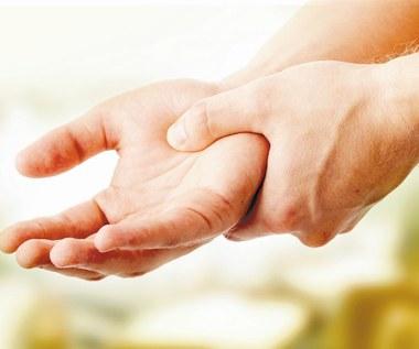Drżenie mięśni - przyczyny, objawy