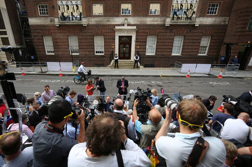 Drzwi szpitala St. Mary's w Londynie /Getty Images