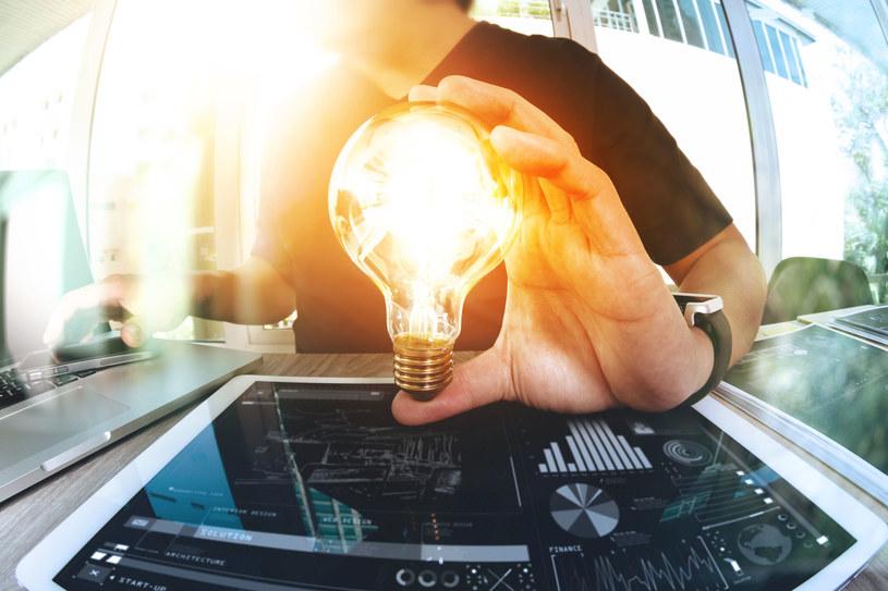 DSR to technologia umożliwiająca firmom zmniejszenie zapotrzebowania na prąd /123RF/PICSEL