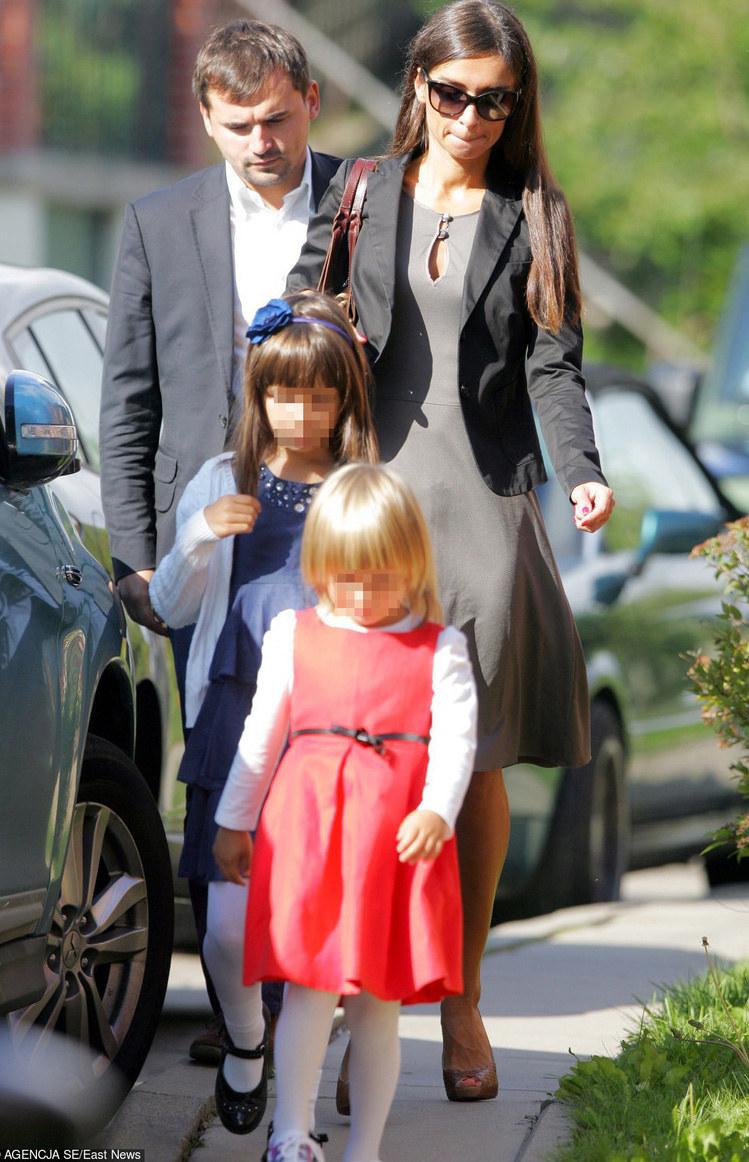 Dubieniecki z Martą i córkami kilka lat temu /Agencja SE /East News