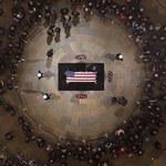 Duda i Wałęsa wylądowali w Waszyngtonie. Wezmą udział w uroczystości pogrzebowej Busha