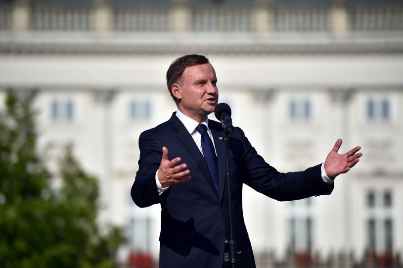 Duda mówił wczoraj, że instytucje kultury w Polsce znikają /Jacek Turczyk /PAP