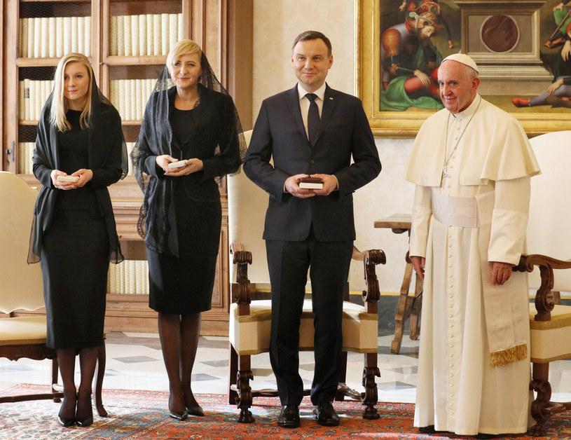 Dudowie na spotkaniu z papieżem Franciszkiem /Grzegorz Gałązka /East News