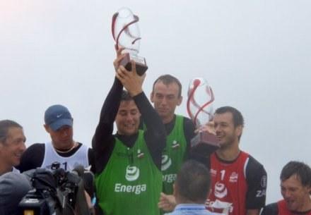 Duet Michał Kubiak/Tomasz Wieczorek wygrał zawody Beach Ball Tour 2009 w Krynicy Morskiej /Informacja prasowa
