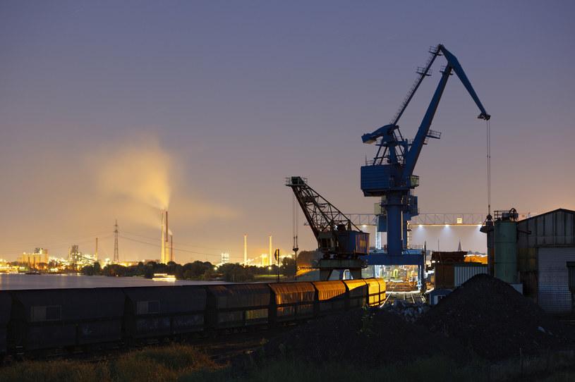 Duisburg nad Renem - przemysłowe miasto w Zagłębiu Ruhry (w Nadrenii-Północnej Westfalii)