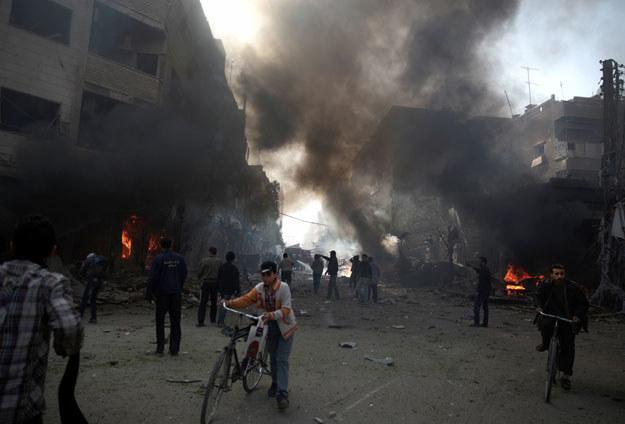 Duma po sobotnim nalocie bombowym /AFP