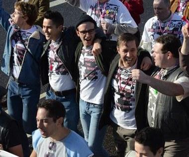 """""""Dumni i wściekli"""": Geje i lesbijki na ratunek górnikom!"""