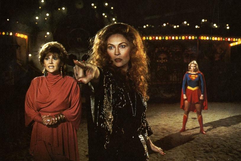 """Dunaway (na zdjęciu w środku) jako Selena w """"Supergirl"""" (1984) /materiały dystrybutora"""