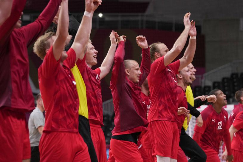 Duńczycy mieli dużo powodów do radości po meczu z Hiszpanią /AP/Associated Press/East News /East News