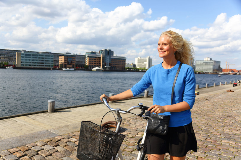 Duńczycy mówią, że są szczęśliwi, bo niewiele im do szczęścia potrzeba /123RF/PICSEL