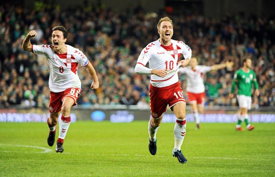 Duńscy piłkarze po meczu z Irlandią /AIDAN CRAWLEY  /PAP/EPA