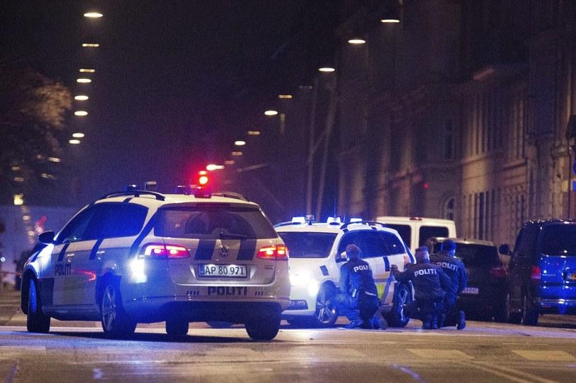 Duńska policja podczas obławy na sprawcę strzelanin /PAP/EPA