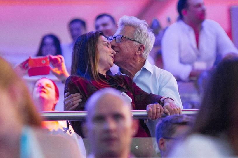 Dustin Hoffman z żoną na koncercie /Agencja FORUM