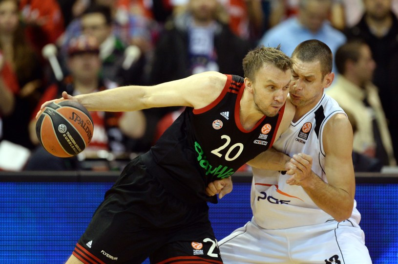 Duszko Savanović (z piłką) /AFP