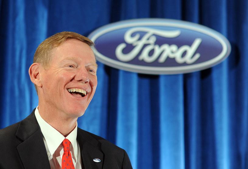 Duże szanse na zostanie szefem Microsoftu ma... obecny CEO Forda, Alan Mulally /AFP