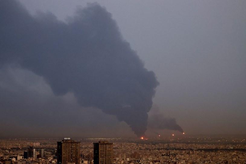 Duży pożar w rafinerii w Teheranie /ATTA KENARE / AFP /AFP