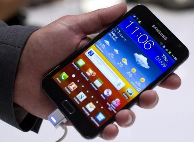 Duży, większy, Galaxy Note - pomimo gabarytów, jest to ciekawa propozycja /AFP