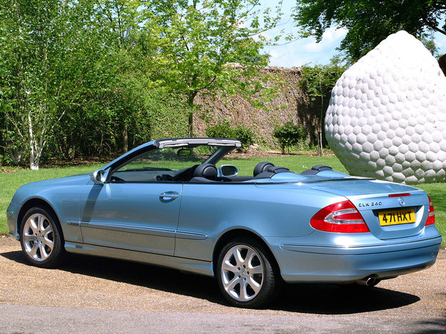 Duży wybór silników – od 2.0 do pięciolitrowego V8, typowo luksusowy charakter. /Mercedes
