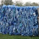 Dwa enzymy rozłożą plastik szybciej