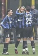 Dwa gole Sinisy Mihajlovica zapewniły zwycięstwo Interowi w meczu z AS Roma /AFP
