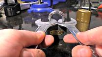 Dwa klucze i kłódka: Kiedy działa ten prosty trik?