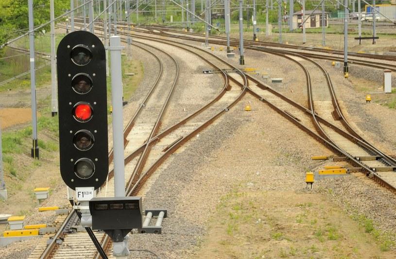 Dwa pociągi znalazły się na jednym torze /Bartosz Krupa /East News