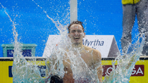 Dwa rekordy świata trzeciego dnia MŚ w pływaniu na krótkim basenie. Wideo