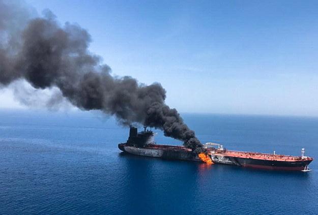 Dwa tankowce były w czwartek celem niezidentyfikowanego ataku u wybrzeży Iranu w Zatoce Omańskiej /STRINGER /PAP
